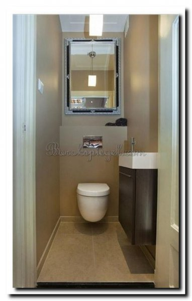barok-spiegel-guido-zwart-zilver-op-toilet