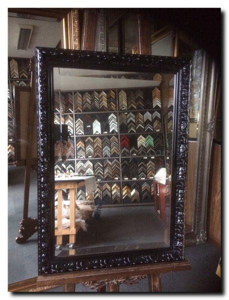 spiegel-barok-op-maat-zwart-hoogglans