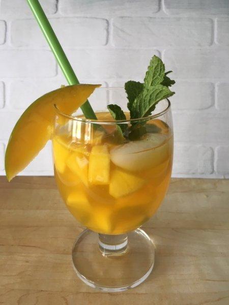 sweet-mango-coctail